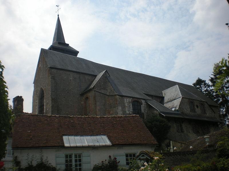 Photo du Monument Historique Collégiale Saint-Pierre situé à Gerberoy