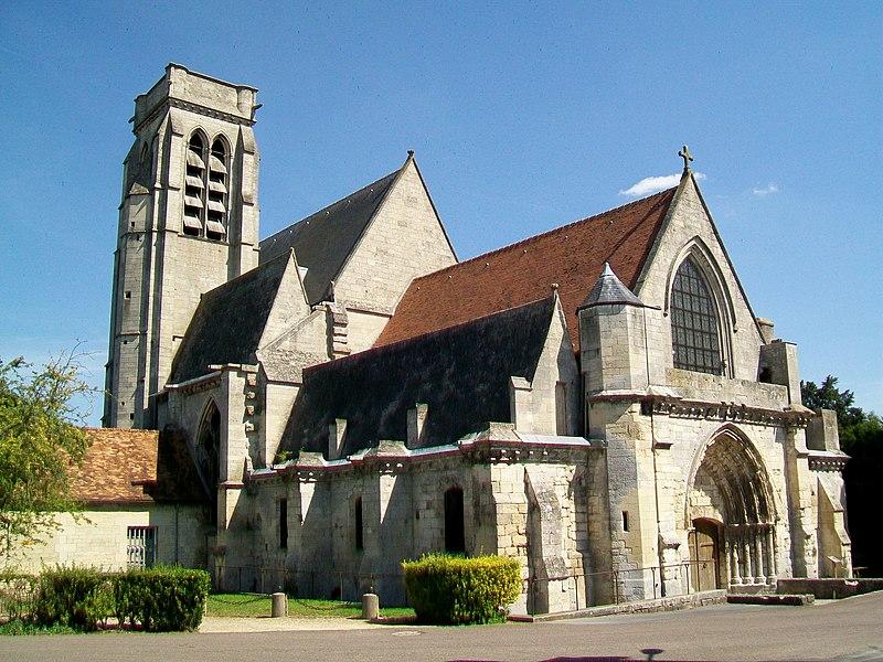 Photo du Monument Historique Eglise (ancienne église collégiale) situé à Montataire