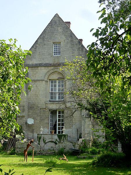 Photo du Monument Historique Ancien prieuré de Saint-Nicolas de Courson dans la forêt de Compiègne situé à Morienval