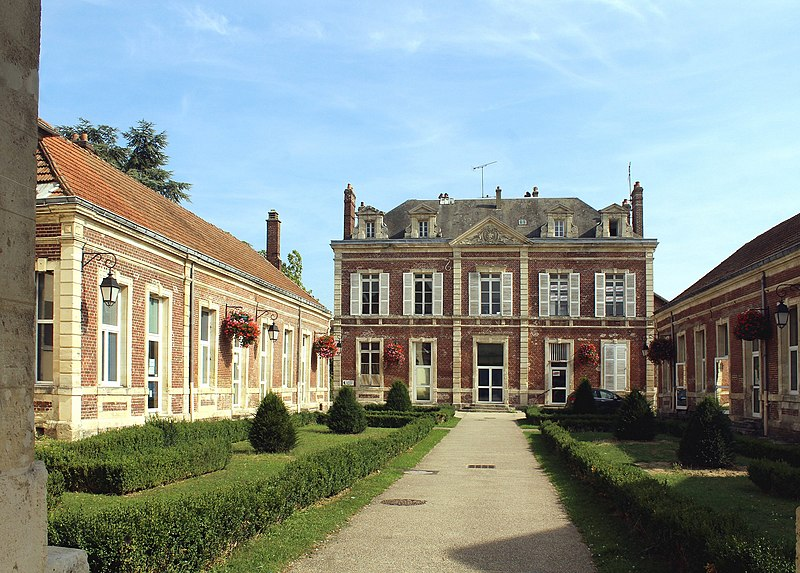 Photo du Monument Historique Hôtel Arnette situé à Noyon
