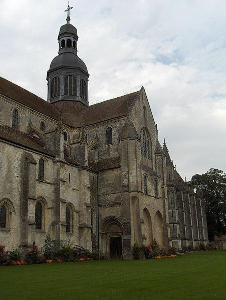Photo du Monument Historique Ancienne abbaye situé à Saint-Germer-de-Fly