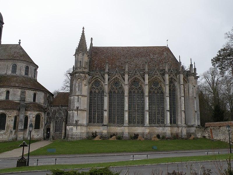 Photo du Monument Historique Eglise et chapelle situé à Saint-Germer-de-Fly