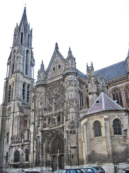 Photo du Monument Historique Ancienne cathédrale et son chapître situé à Senlis
