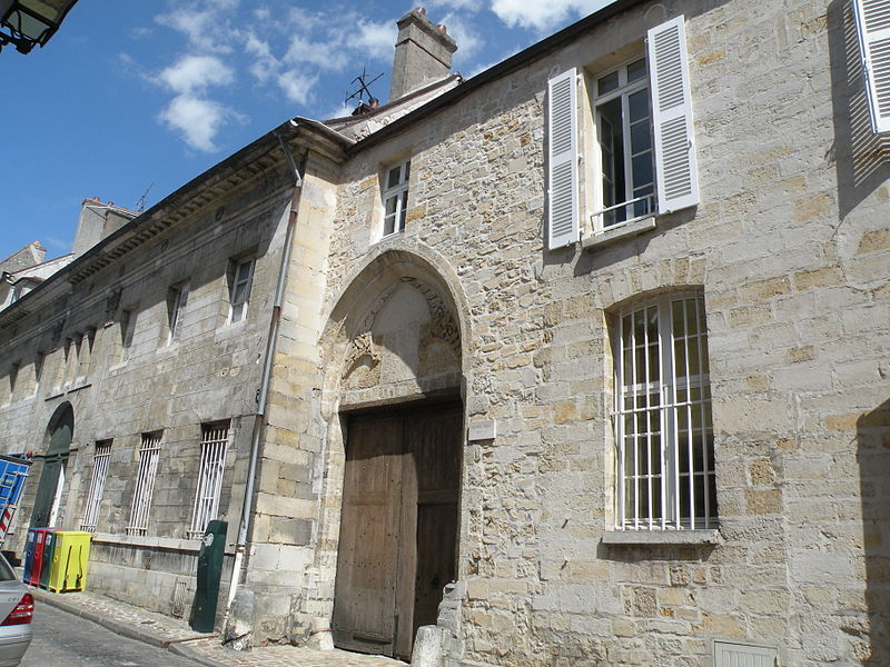 Photo du Monument Historique Ancien Hôtel-Dieu situé à Senlis