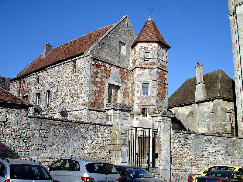 Photo du Monument Historique Ancien Hôtel de Vermandois situé à Senlis