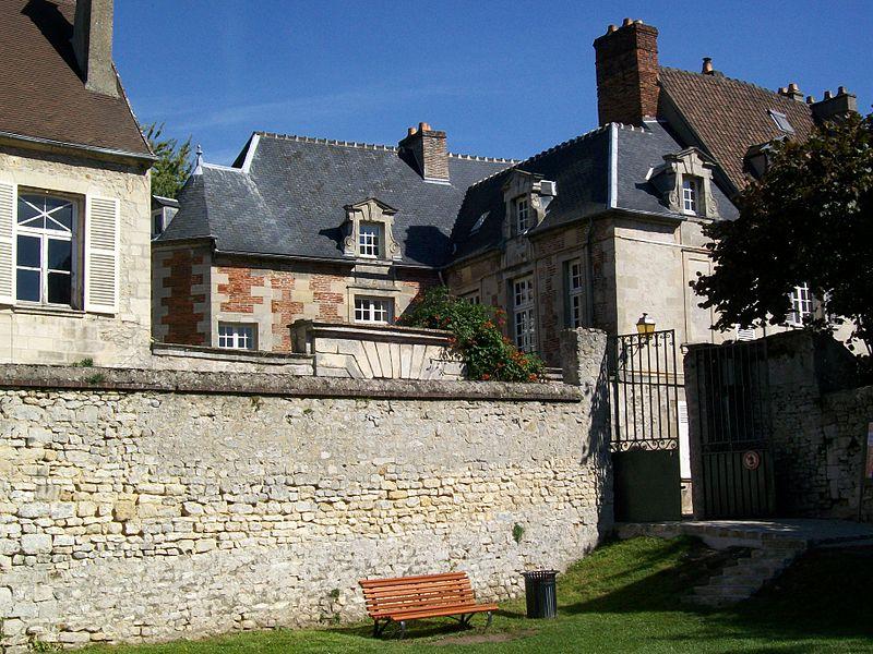 Photo du Monument Historique Maison dite Hôtel de la Marine situé à Senlis