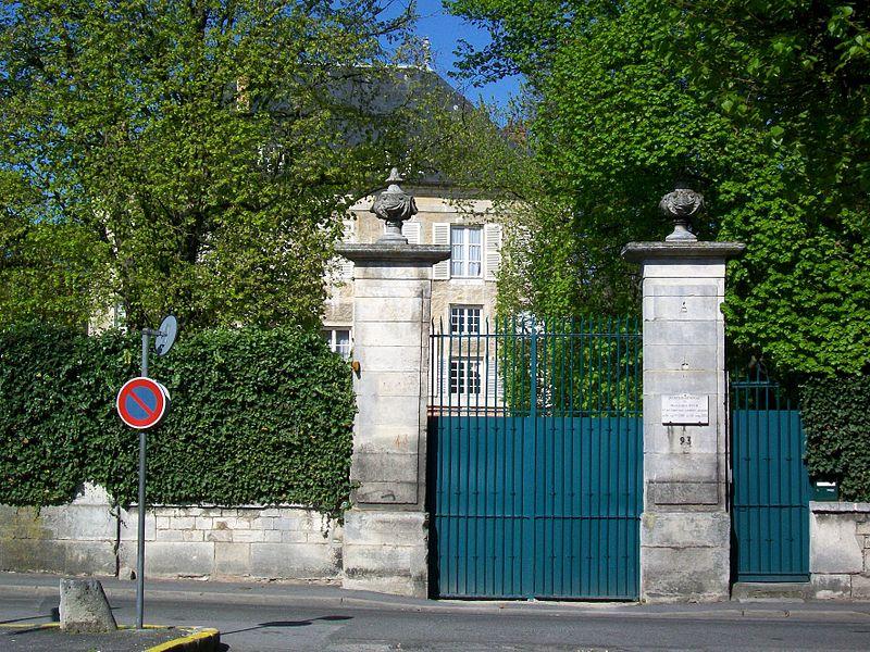 Photo du Monument Historique Pavillon Saint-Martin situé à Senlis