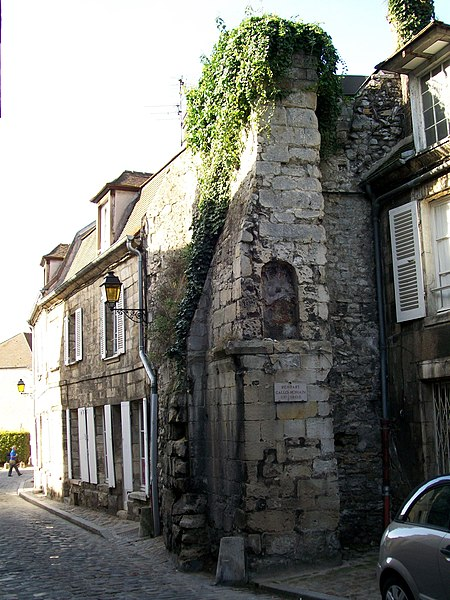 Photo du Monument Historique Enceinte gallo-romaine situé à Senlis