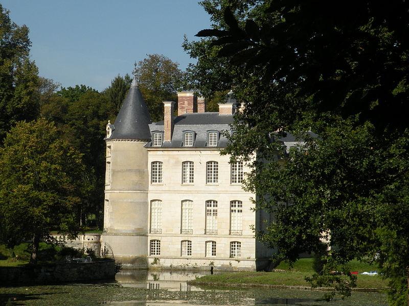 Photo du Monument Historique Château de Verderonne situé à Verderonne