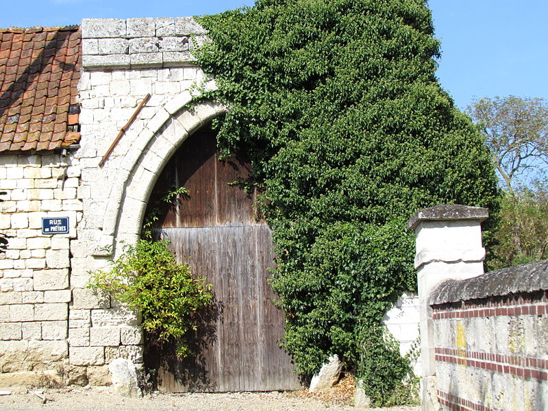 Photo du Monument Historique Ancien prieuré Saint-Nicolas situé à Bonneuil-les-Eaux