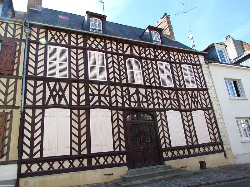 Photo du Monument Historique Maison natale d'Hippolyte Bayard situé à Breteuil