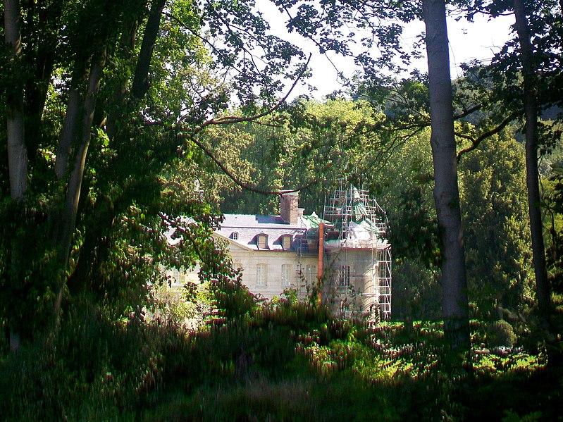 Photo du Monument Historique Château de Verderonne situé à Rosoy