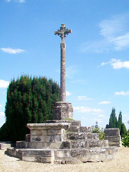 Photo du Monument Historique Croix du cimetière de Rocquemont situé à Rocquemont