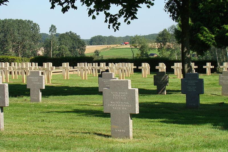 Photo du Monument Historique Nécropole française et cimetière allemand situé à Thiescourt