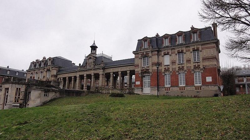 Photo du Monument Historique Lycée Félix Faure situé à Beauvais