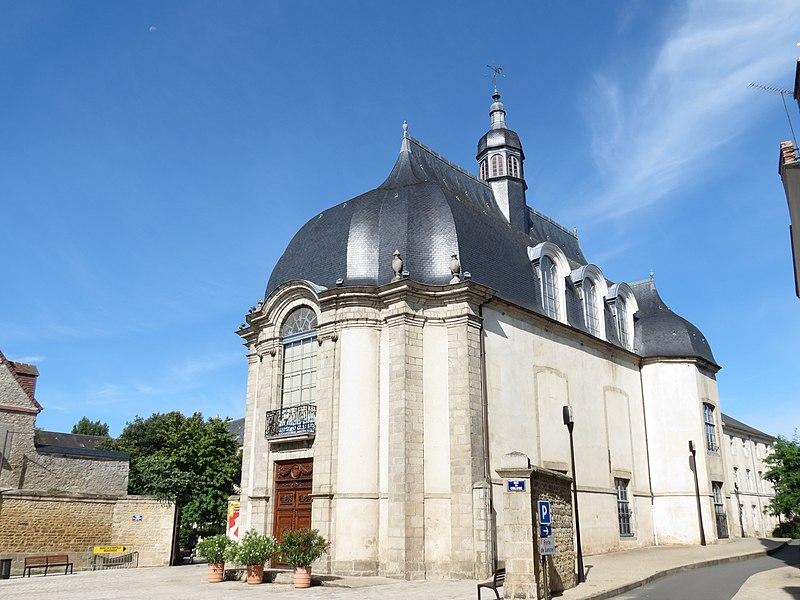 Photo du Monument Historique Bibliothèque municipale (ancienne chapelle des Jésuites) situé à Alençon