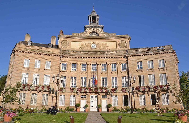 Photo du Monument Historique Hôtel de ville situé à Alençon