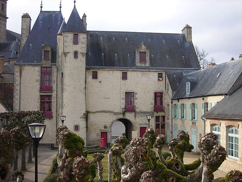 Photo du Monument Historique Maison d'Ozé situé à Alençon