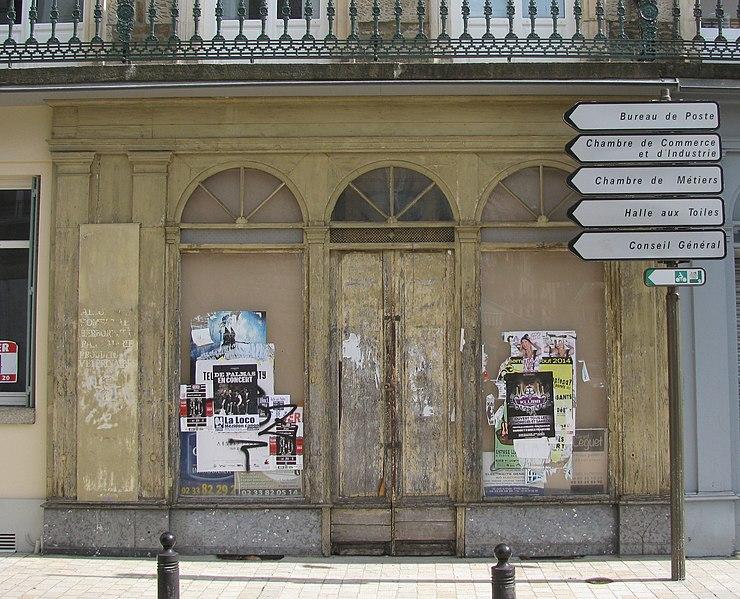 Photo du Monument Historique Pharmacie Pesche situé à Alençon