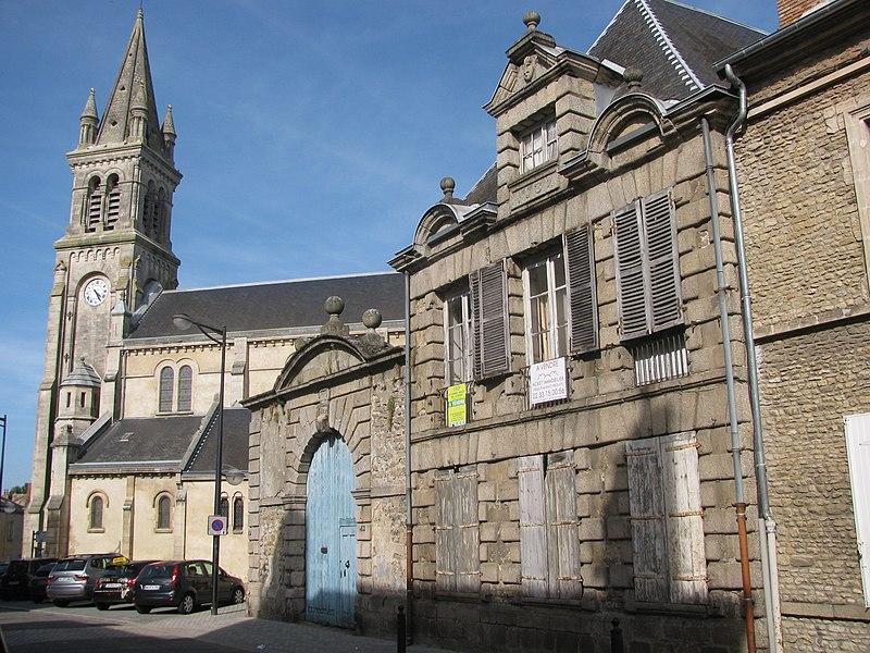 Photo du Monument Historique Presbytère Saint-Pierre de Montsort situé à Alençon