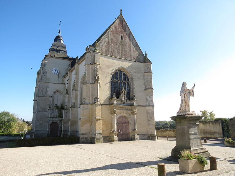 Photo du Monument Historique Eglise situé à Almenêches