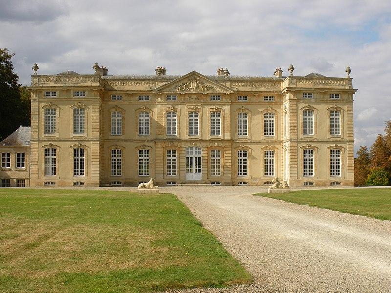 Photo du Monument Historique Château situé à Le Bourg-Saint-Léonard