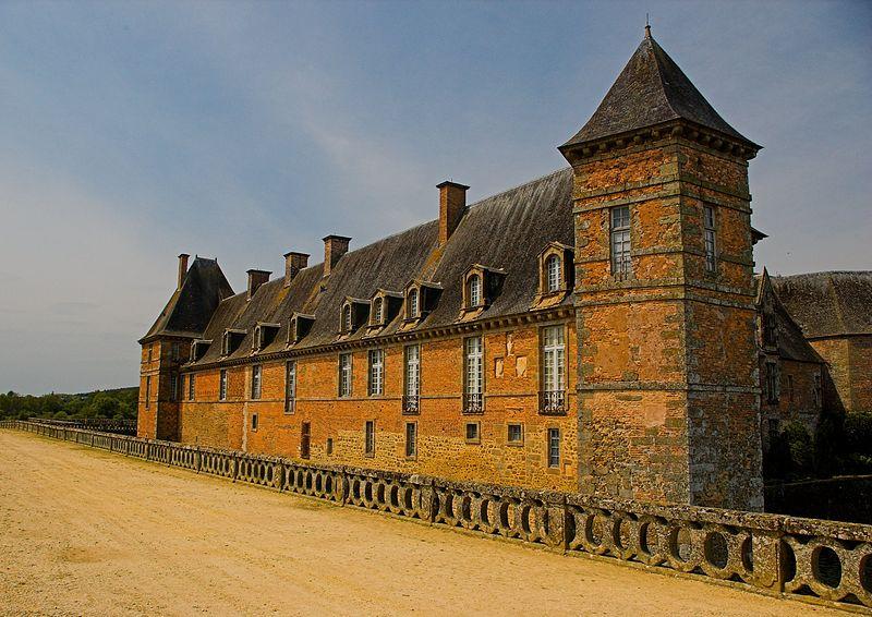 Photo du Monument Historique Château de Carrouges situé à Carrouges