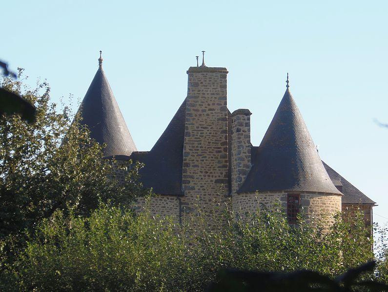 Photo du Monument Historique Manoir de la Servière situé à Ceaucé