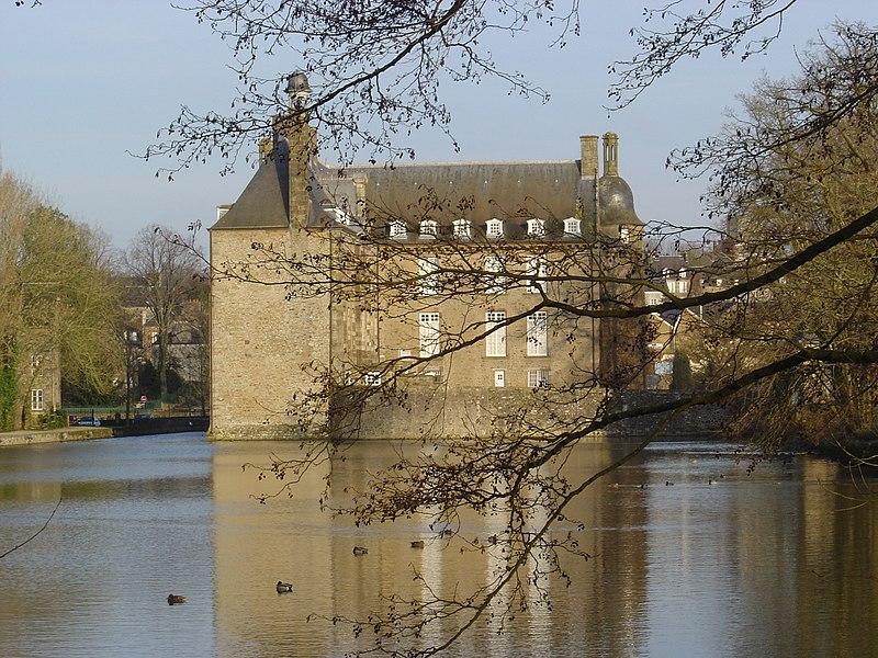 Photo du Monument Historique Ancien château situé à Flers