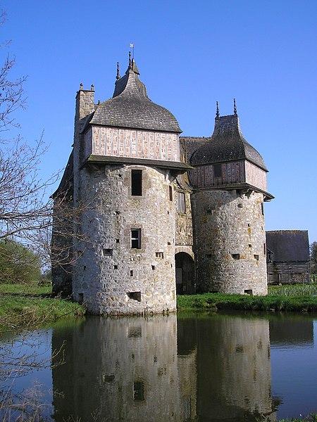 Photo du Monument Historique Manoir de la Sausserie situé à Haute-Chapelle (La)