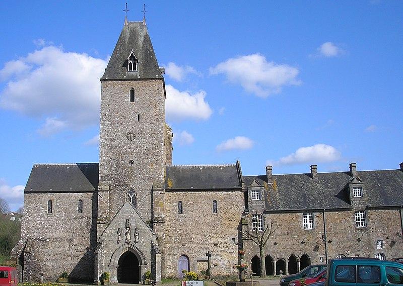 Photo du Monument Historique Eglise Notre-Dame situé à Lonlay-l'Abbaye
