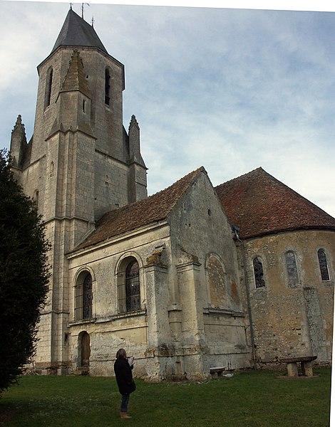 Photo du Monument Historique Eglise Saint-Pierre situé à Mauves-sur-Huisne