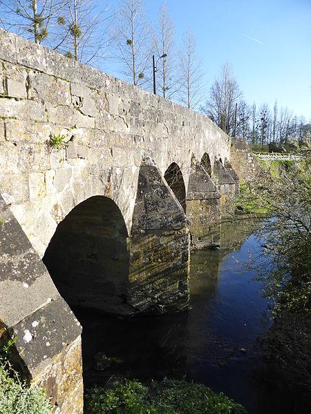 Photo du Monument Historique Pont situé à Mauves-sur-Huisne