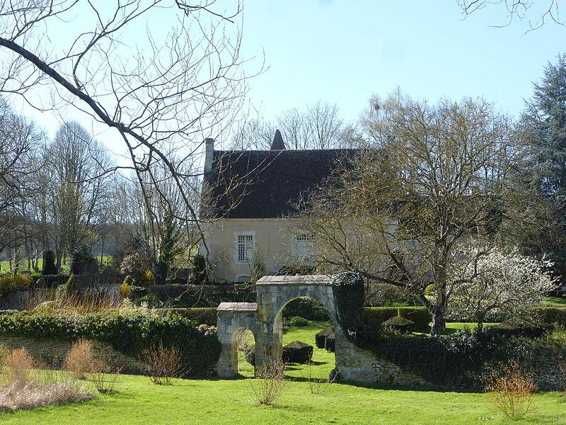 Photo du Monument Historique Manoir de Pontgirard situé à Monceaux-au-Perche