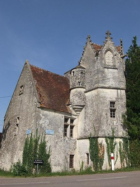 Photo du Monument Historique Manoir de Pommereux situé à Montgaroult