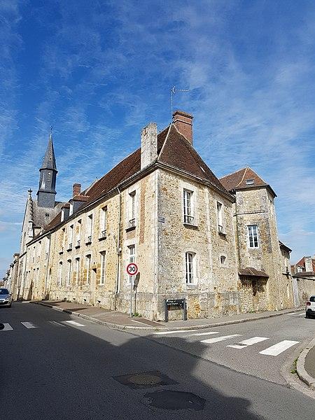 Photo du Monument Historique Ancien Hôtel de Longueil situé à Mortagne-au-Perche