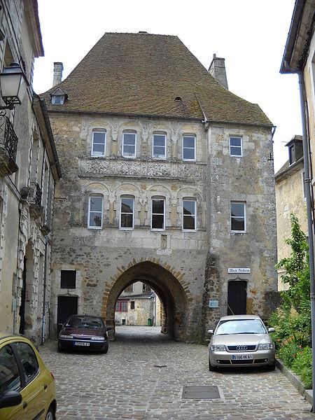 Photo du Monument Historique Porte Saint-Denis situé à Mortagne-au-Perche
