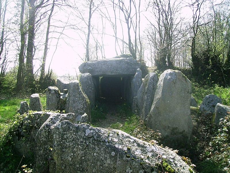 Photo du Monument Historique Dolmen dit la Table au Diable situé à Passais