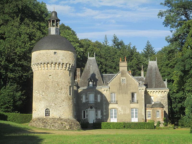 Photo du Monument Historique Château de Morthimer situé à La Perrière