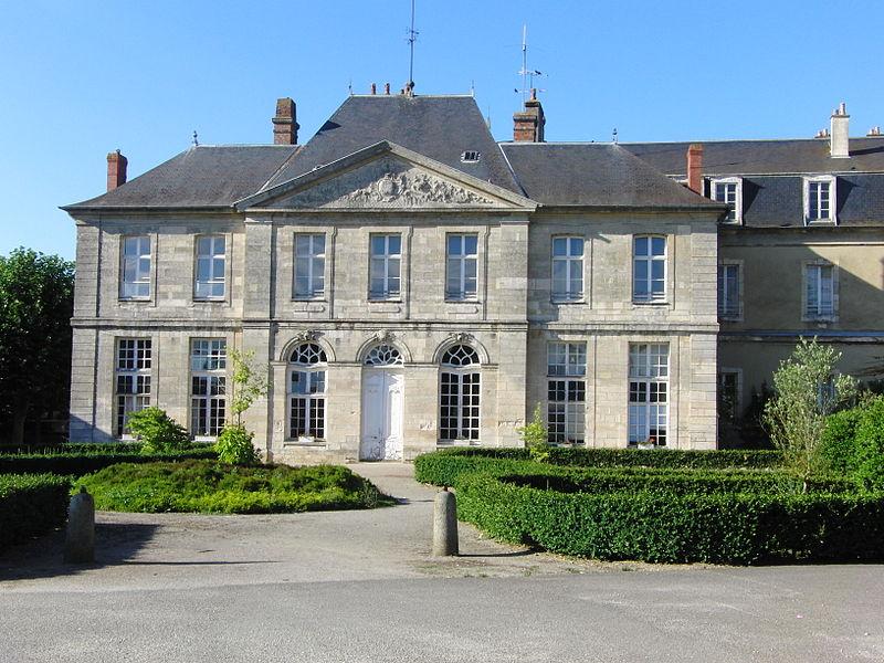 Photo du Monument Historique Ancienne abbaye Saint-Martin situé à Sées