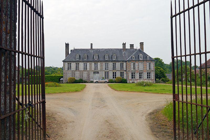 Photo du Monument Historique Château situé à Torchamp