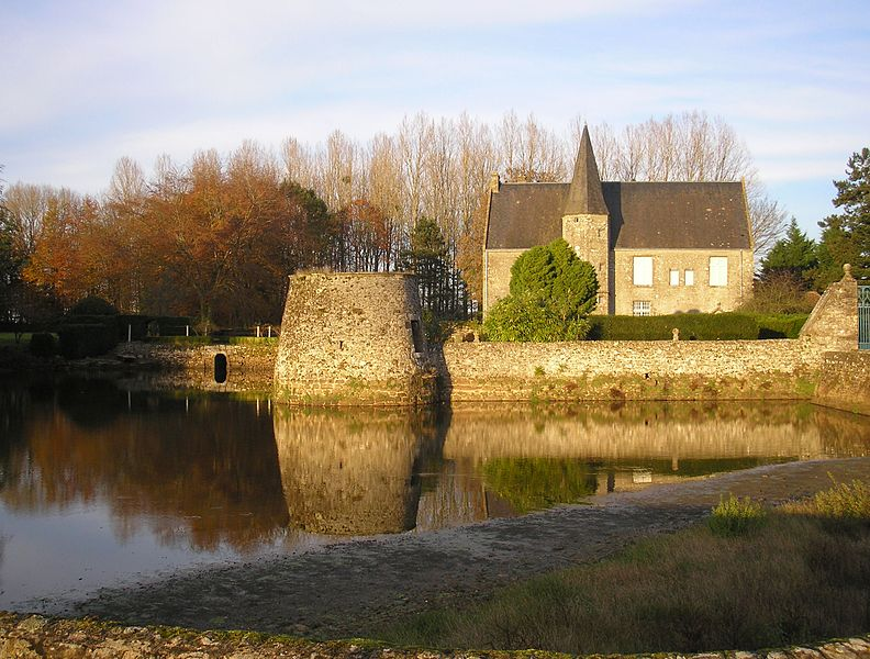 Photo du Monument Historique Manoir situé à Joué-du-Bois