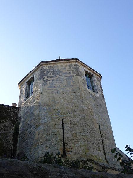 Photo du Monument Historique Tour de l'Horloge situé à Bellême