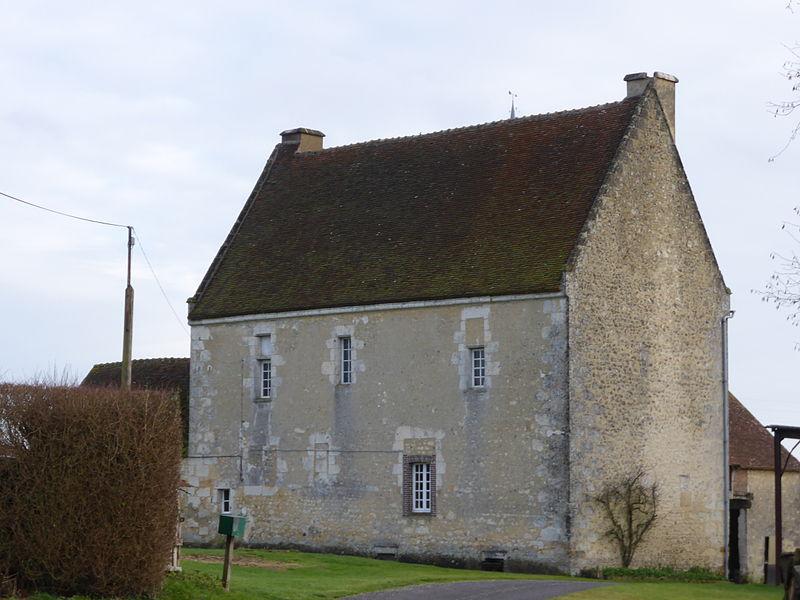 Photo du Monument Historique Manoir des Rosiers situé à Réveillon