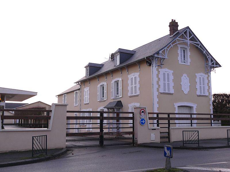 Photo du Monument Historique Bâtiment et machine à vapeur de l'ancienne scierie Prout situé à Alençon