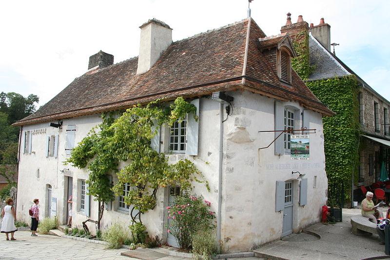 Photo du Monument Historique Ancienne auberge de Moisy situé à Saint-Céneri-le-Gérei