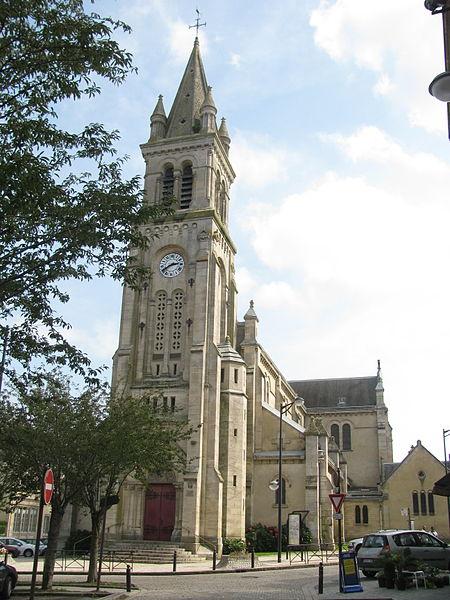 Photo du Monument Historique Eglise Saint-Pierre du quartier de Montsor situé à Alençon