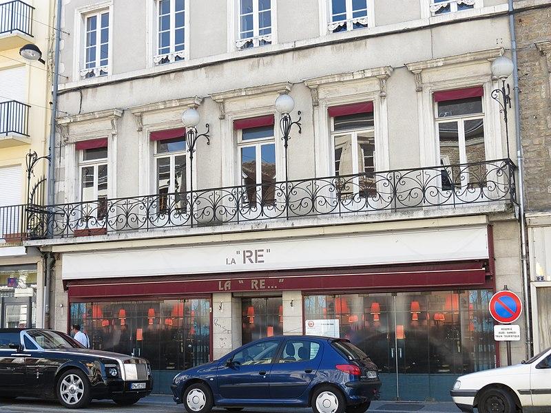 Photo du Monument Historique Café  la Renaissance situé à Alençon