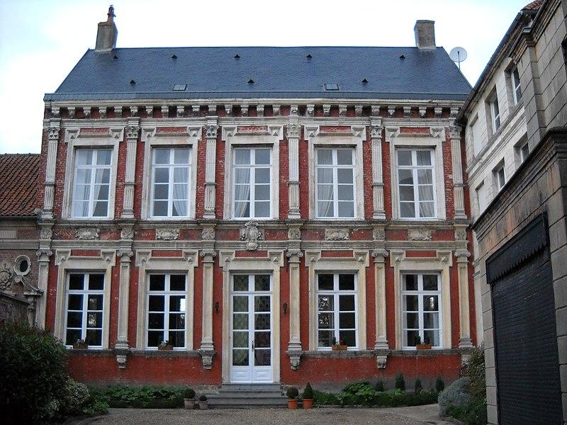 Photo du Monument Historique Ancien Hôtel du Gouverneur situé à Aire-sur-la-Lys
