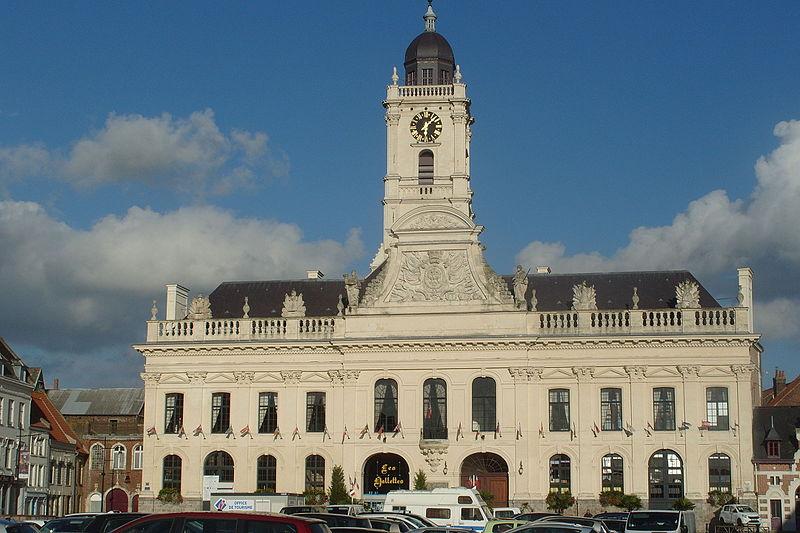 Photo du Monument Historique Hôtel de ville et beffroi situé à Aire-sur-la-Lys